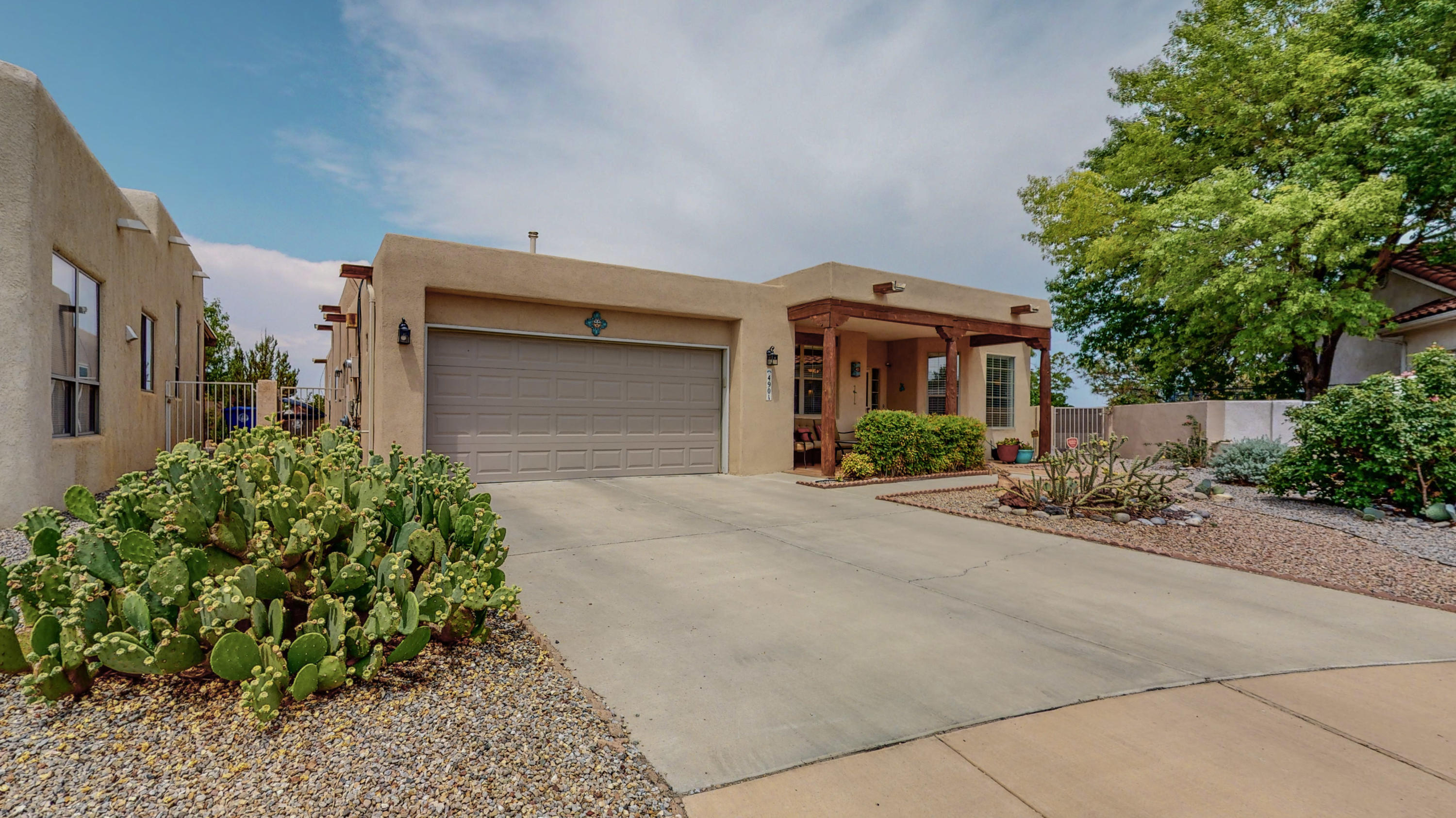 A must see!  Beautiful 1 story home in sought after golf course community.  Meticulously maintained.  Newer updated appliances and flooring.  2 year old TPO roof and stucco!  3 car tandem garage, Mountain views.