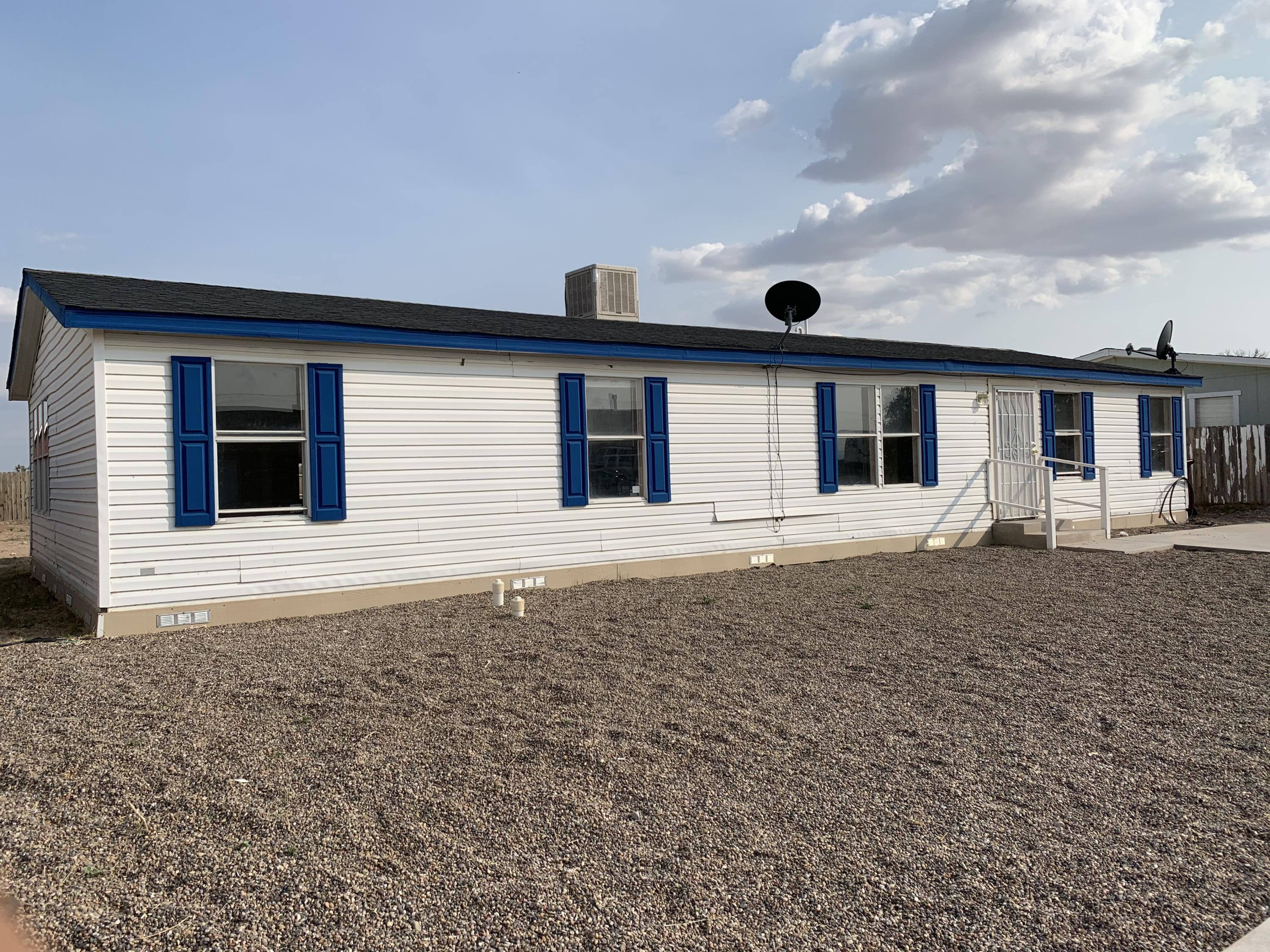 This Fleetwood manufactured home has 2 living areas, 3 bedrooms with large closets, and 2 full baths.  New carpet in living areas and bedrooms. Huge backyard, come and see the home today.
