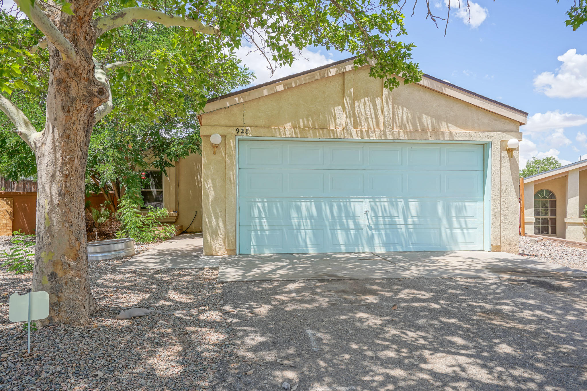 Cute as a button home!  This charmer is ready to move in and call home.   Newer roof, windows, refridgerated air, and replaced poly. Huge patio cover in the backyard to keep cool in the shade.  This little gem wont last long!