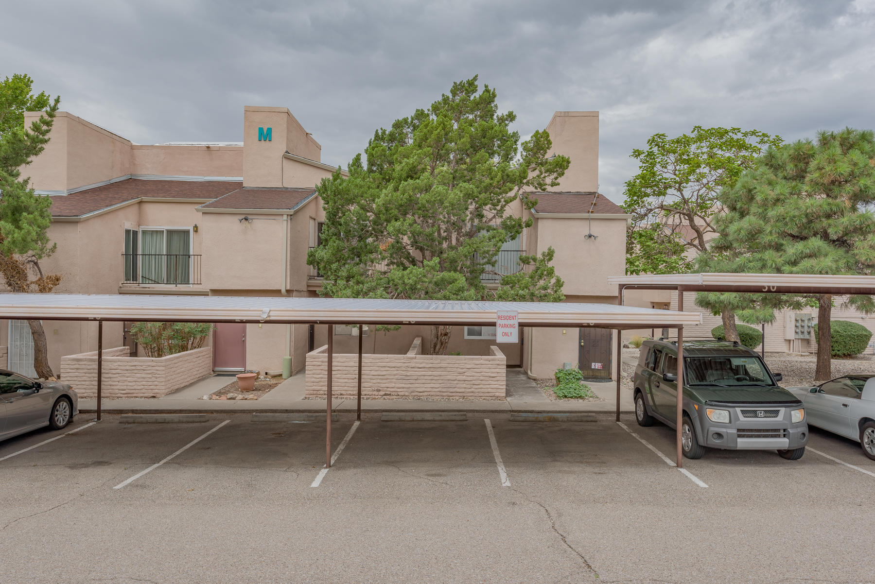 Back on the Market. Welcome to Sandia Plaza Condominiums! This move-in ready unit is ready to be yours! Pride of ownership shows. Carpet has been replaced (2021) throughout as well as new toilet, bathroom vanity, vinyl window and vinyl sliding glass door. The walk-in closet features hard wired high speed internet that can be used for an office. Master bedroom leads out to the rear patio and features replaced extended fence line with gate for added privacy. Complex grounds and Pool are maintained by the HOA. Schedule your tour today!