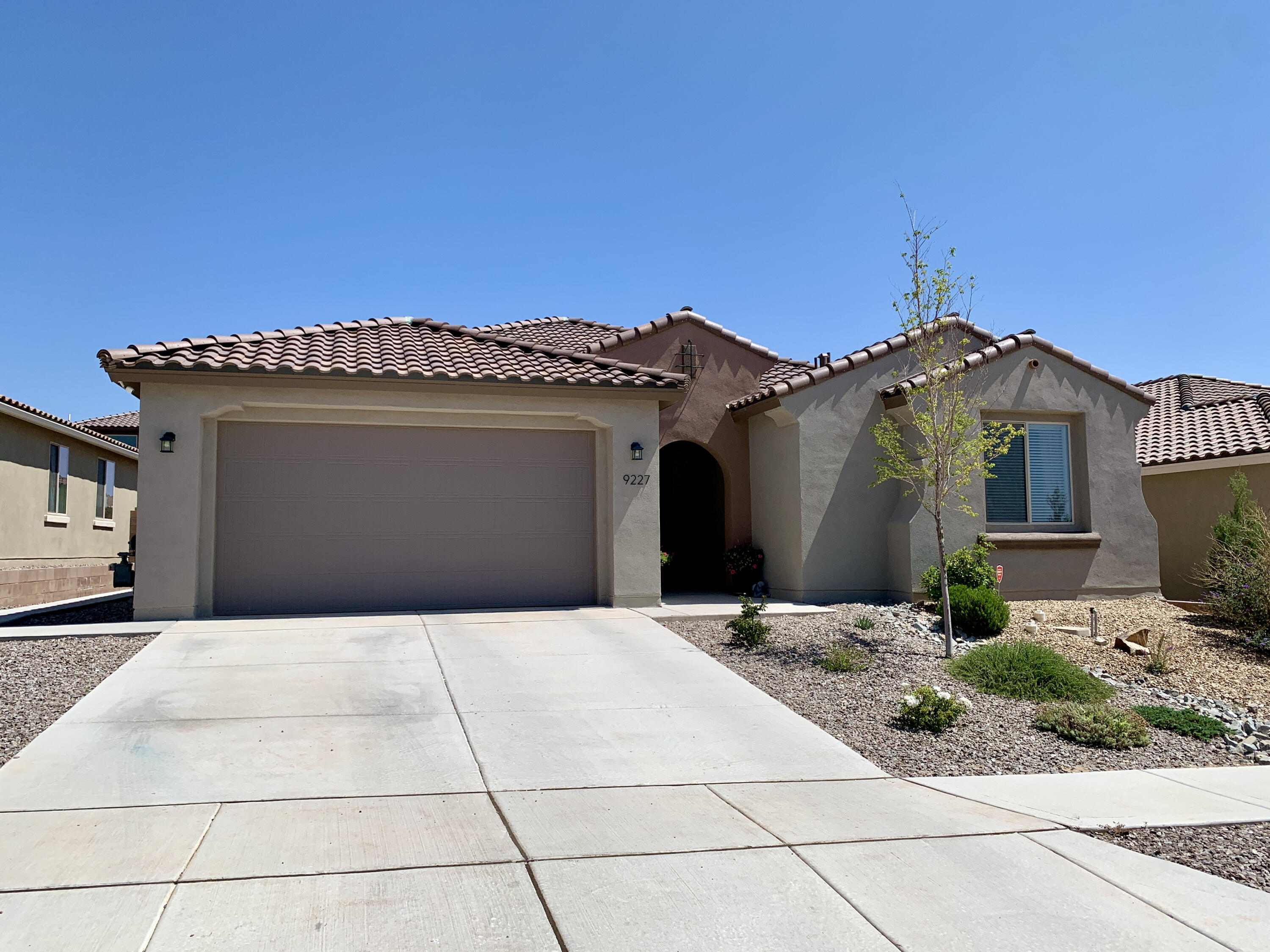 This gorgeous Pulte Parklane home was built in 2018 in the thriving Mirehaven community and is full of upgrades! The home features 3 bedrooms with walk-in closets, 3.5 baths, an office and a cafe. In addition, the home has a beautiful guest suite which includes a private full bathroom and walk-in closet. The home also features an upgraded master shower, upgraded cabinets, granite countertops, and upgraded flooring throughout. The kitchen was also upgraded to a chefs kitchen with stainless steel appliances, a custom backsplash and farmhouse sink. The backyard is complete with 2 additional slabs of concrete, perfect for entertaining!  The community also includes walking trails with beautiful views, two parks, and a K-8 community collaborative school within walking distance!