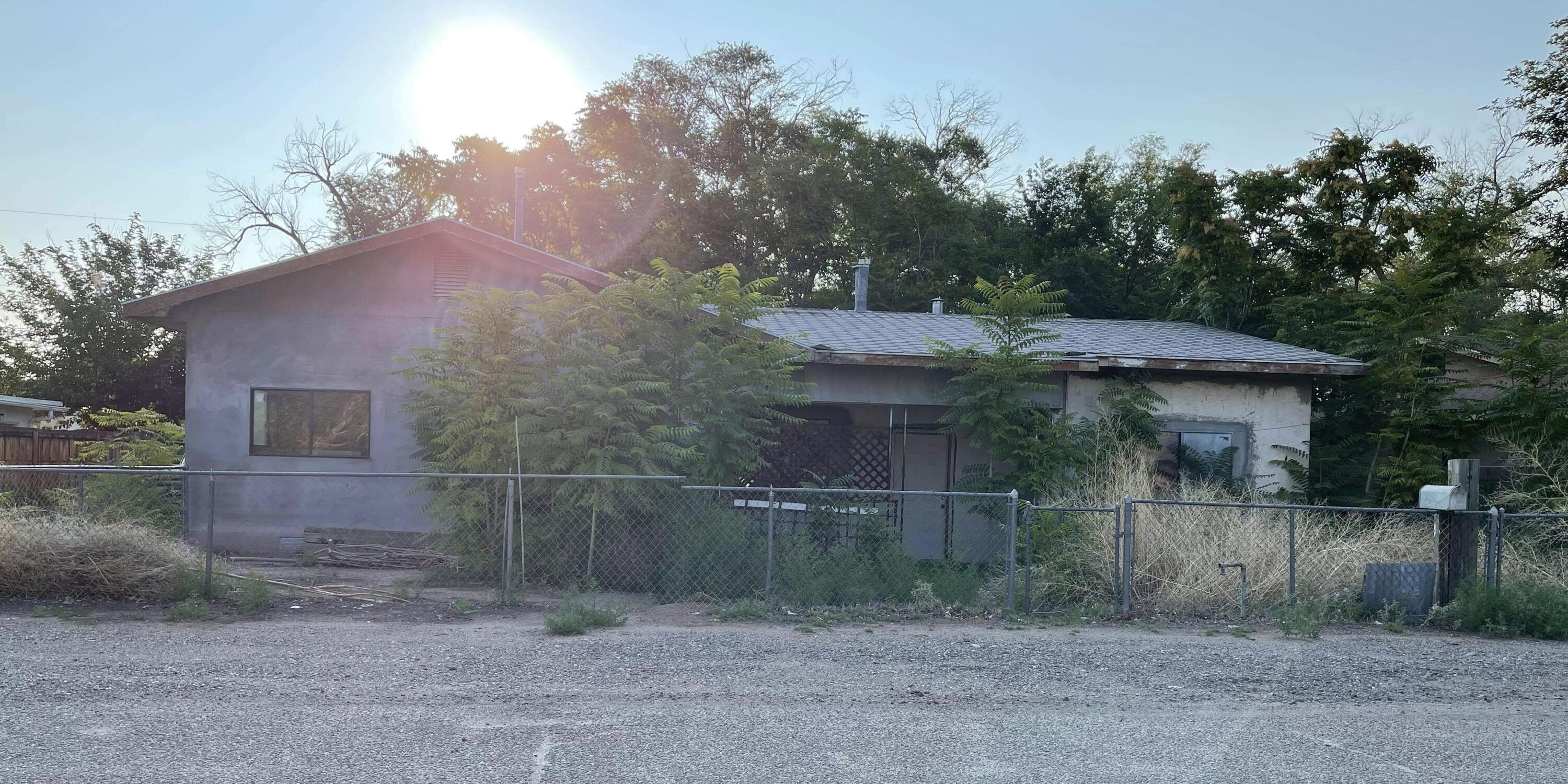 Can somebody say potential? This home has it! Backyard access. Nestled in the south valley. Keep in mind it is an investor/handy man special.  Let your imagination fly and make this into your dream home!