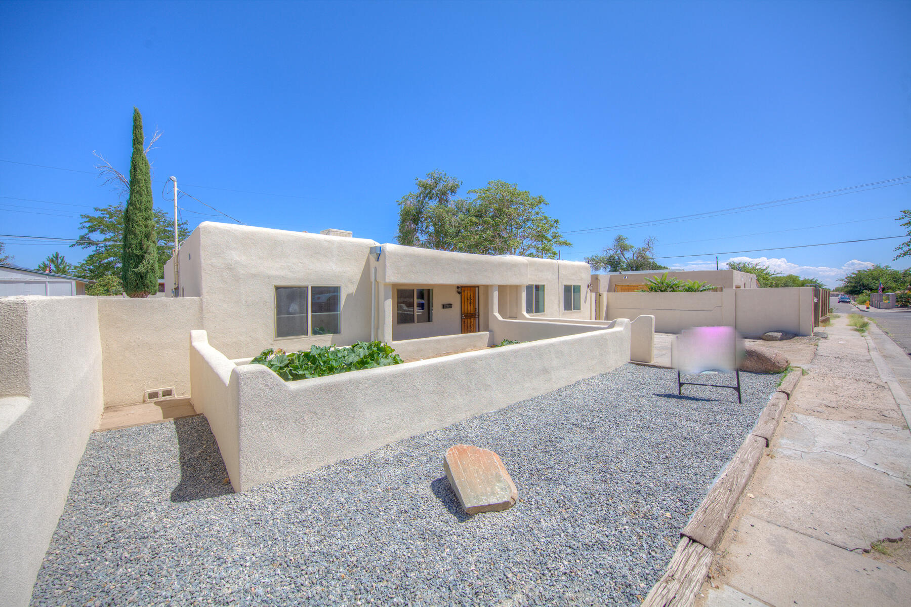 4 bedroom 2 bath home. Great location, close to parks, shops and freeway. Come see your new home today.