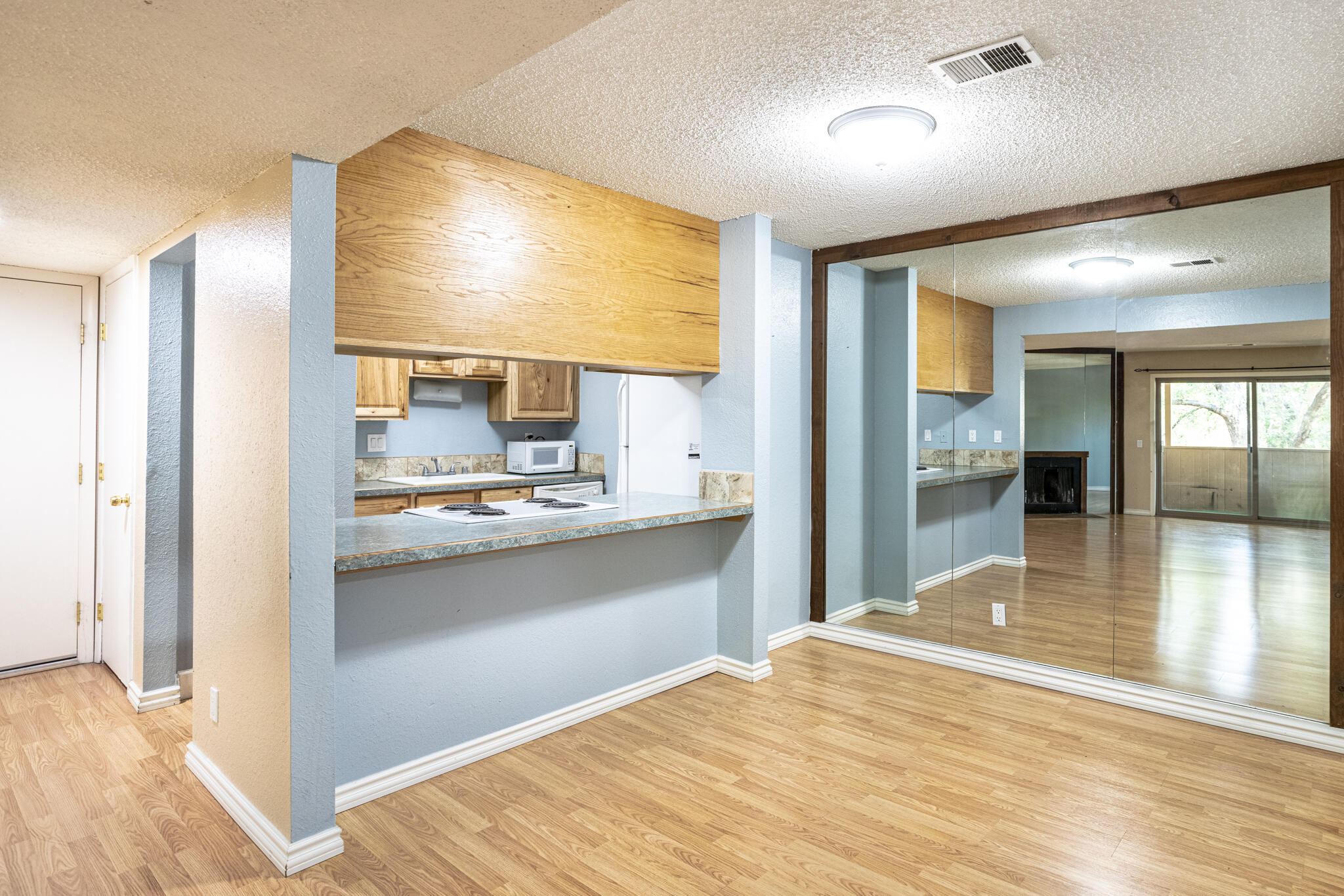 Great condo!  Come see this jewel at the Hillcrest Condominiums.  Much sought after condos with amenities to boot.  Bring your buyers - new paint, new carpet, well cared for and priced to move.