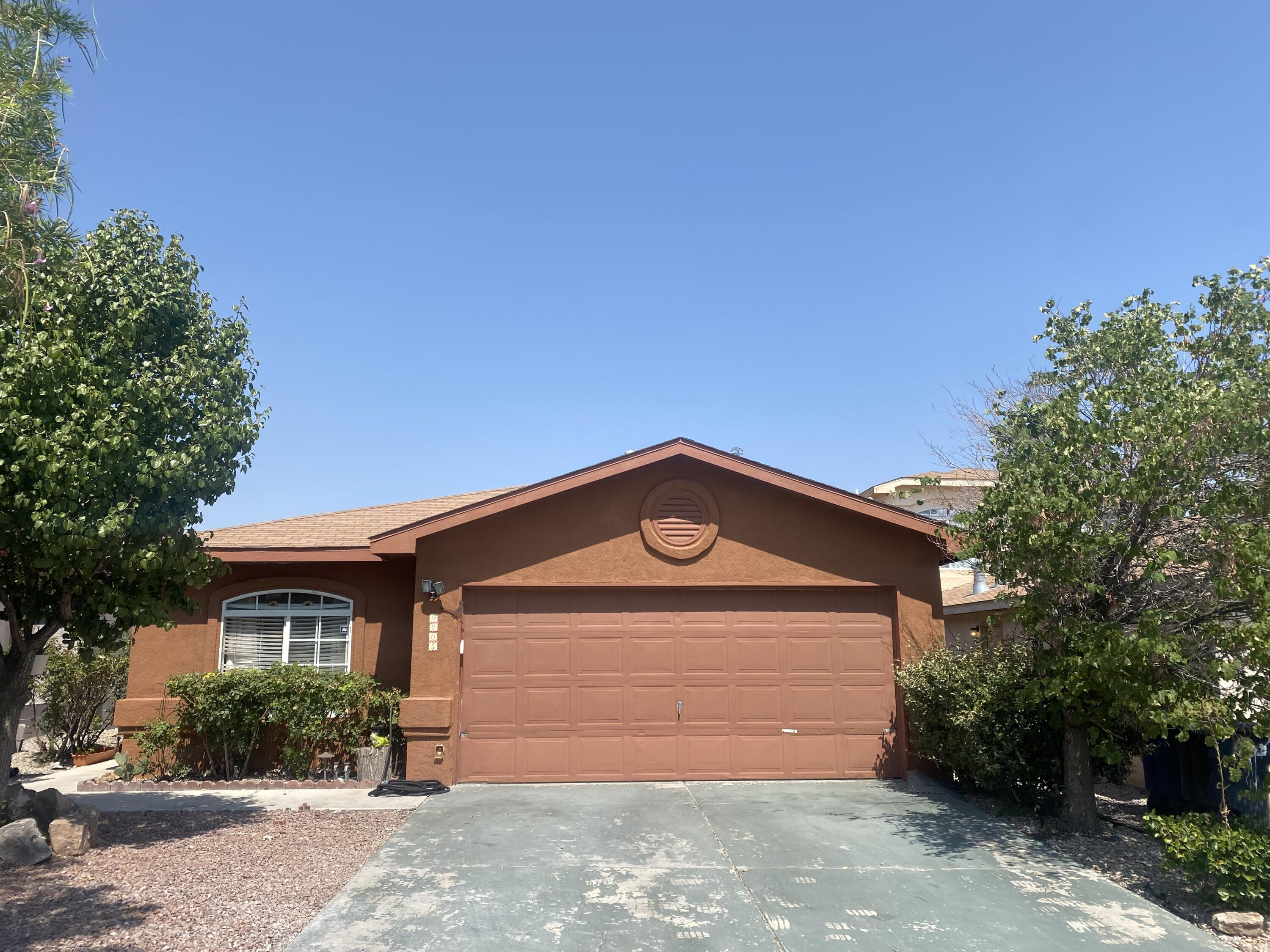 This single Story has 4 bedroom's, spacious living room, STAINLESS STEEL appliances and Newly renovated kitchen, tile back-splash, fully landscaped with peach trees, planters, this home is ready to move in!!!