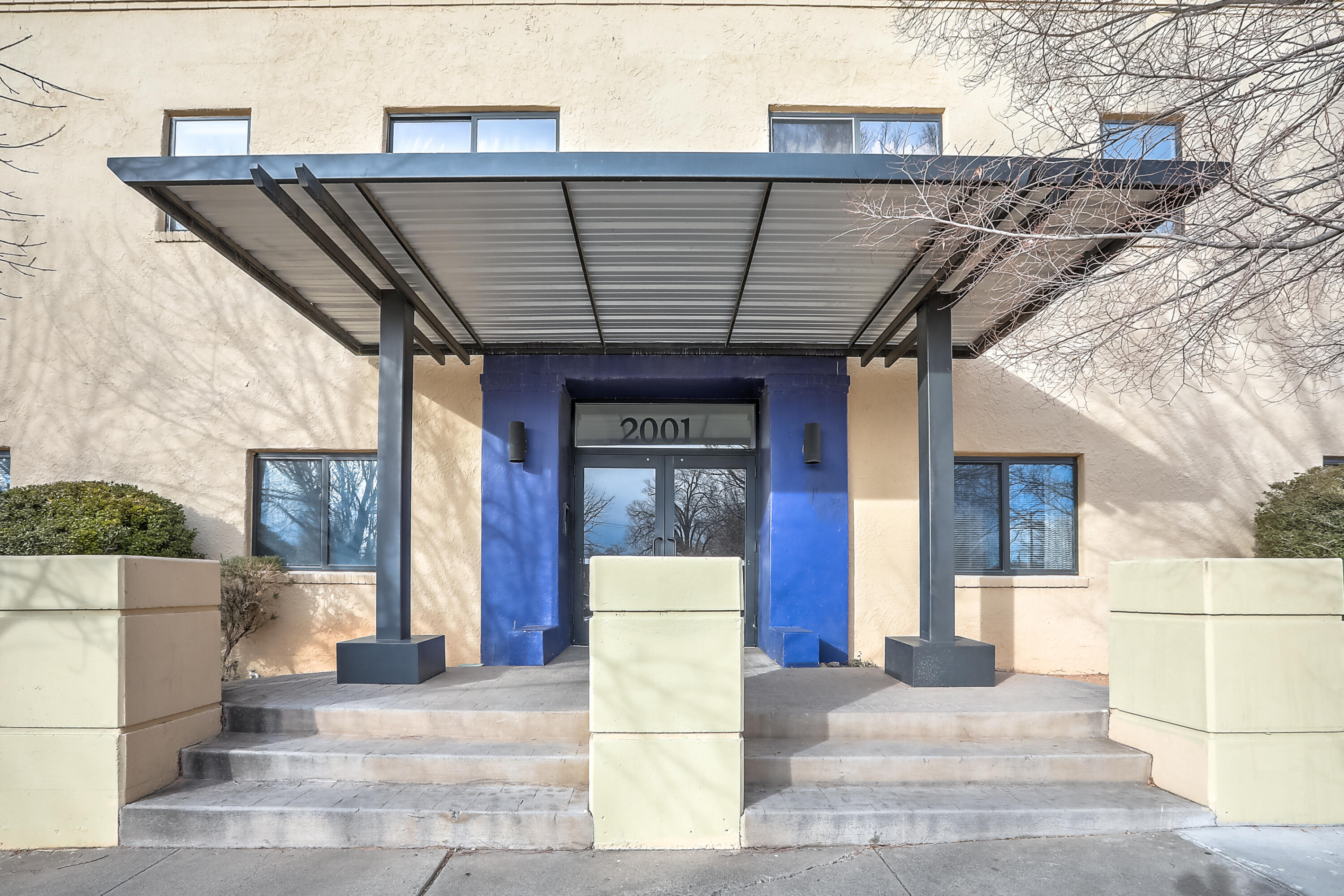 Amazing opportunity to own a modern condo within .25 mile of UNM. All the convenience of Midtown/University area and has hotels and restaurants that are conveniently located near the I-25/I-40 interchange. Beautiful granite countertops with clerestory windows. Huge skylight lets in lots of natural light . You will fall in love with the open architecture of loft living. Unit will convey with washer & dryer, new dishwasher and has refrigerated air. No adverse material facts available. Assigned parking in lot across the street for $55 a month. HOA will not allow Air bnb.