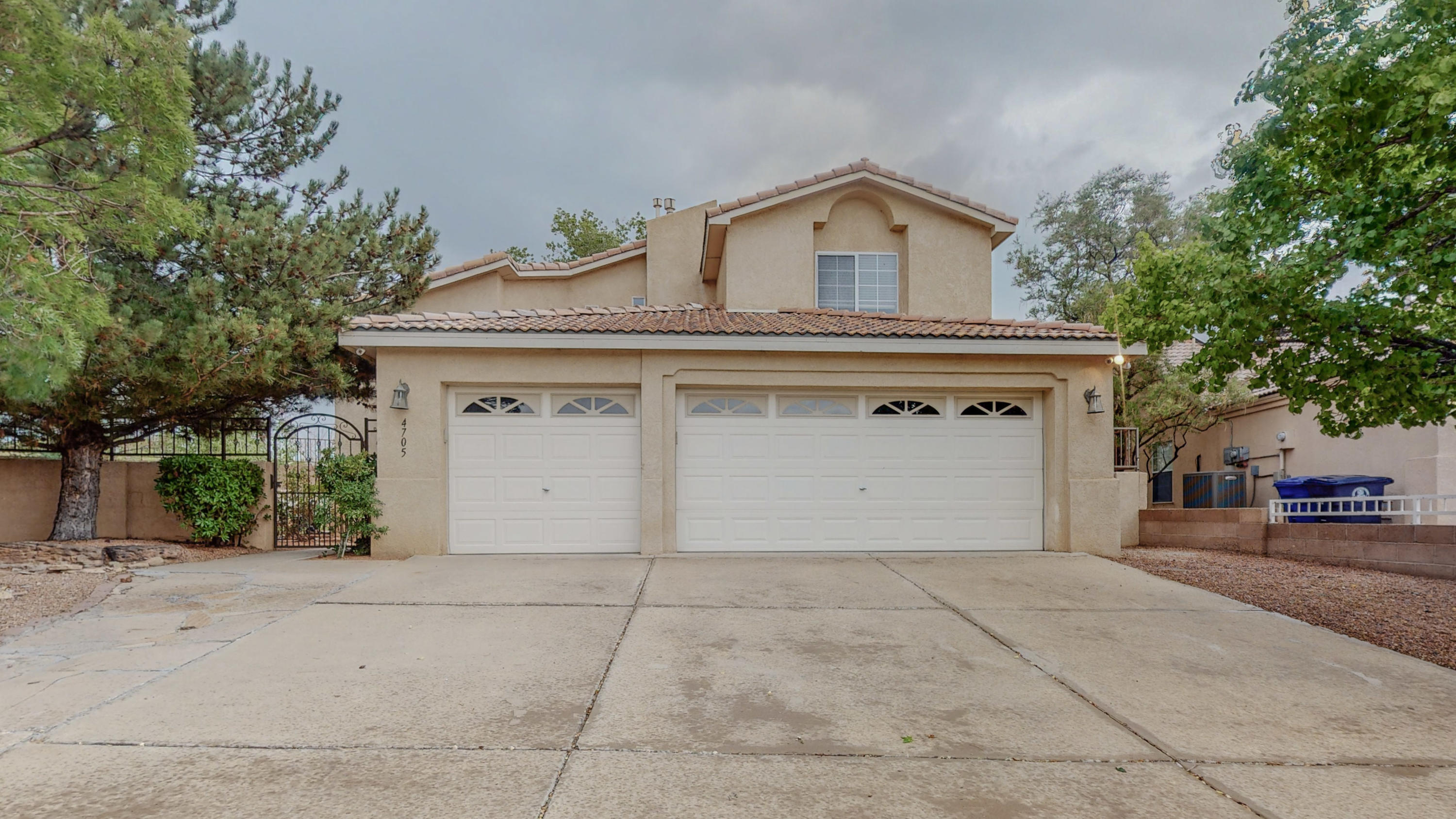 Price Reduced on this home located in a Culdesac lot.  With a 3 Car Garage in East Paradise Hills.  Private Courtyard entry.  High Ceilings, two living areas. Fireplace in family room off the kitchen.  Stainless steel appliances.  Laminate Flooring and Ceramic tile throughout, (no carpet). The downstairs study can easily be converted into a 4th bedroom. Master has it's own fireplace and balcony.  covered patio, flower beds, water feature.