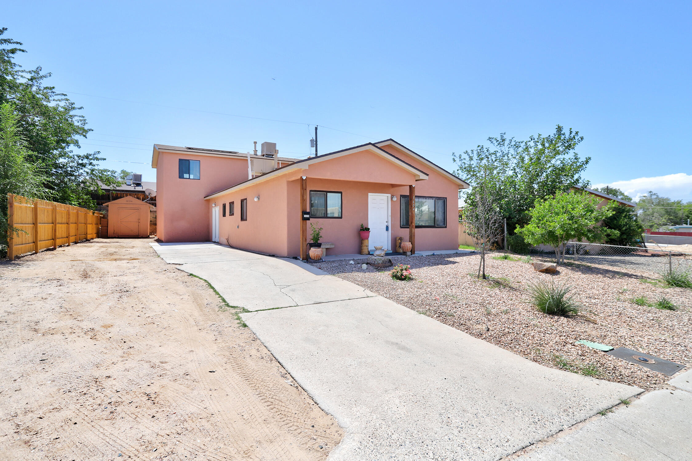 If you are looking for large bedrooms, look no further!!! This home as A LOT of bedroom space in each room.  The open kitchen/living room/dining room combo allows for a great spot to entertain.  The kitchen and bathrooms have granite countertops and the home has been updated throughout with newer cabinets, newer flooring, newer stucco and newer landscaping.