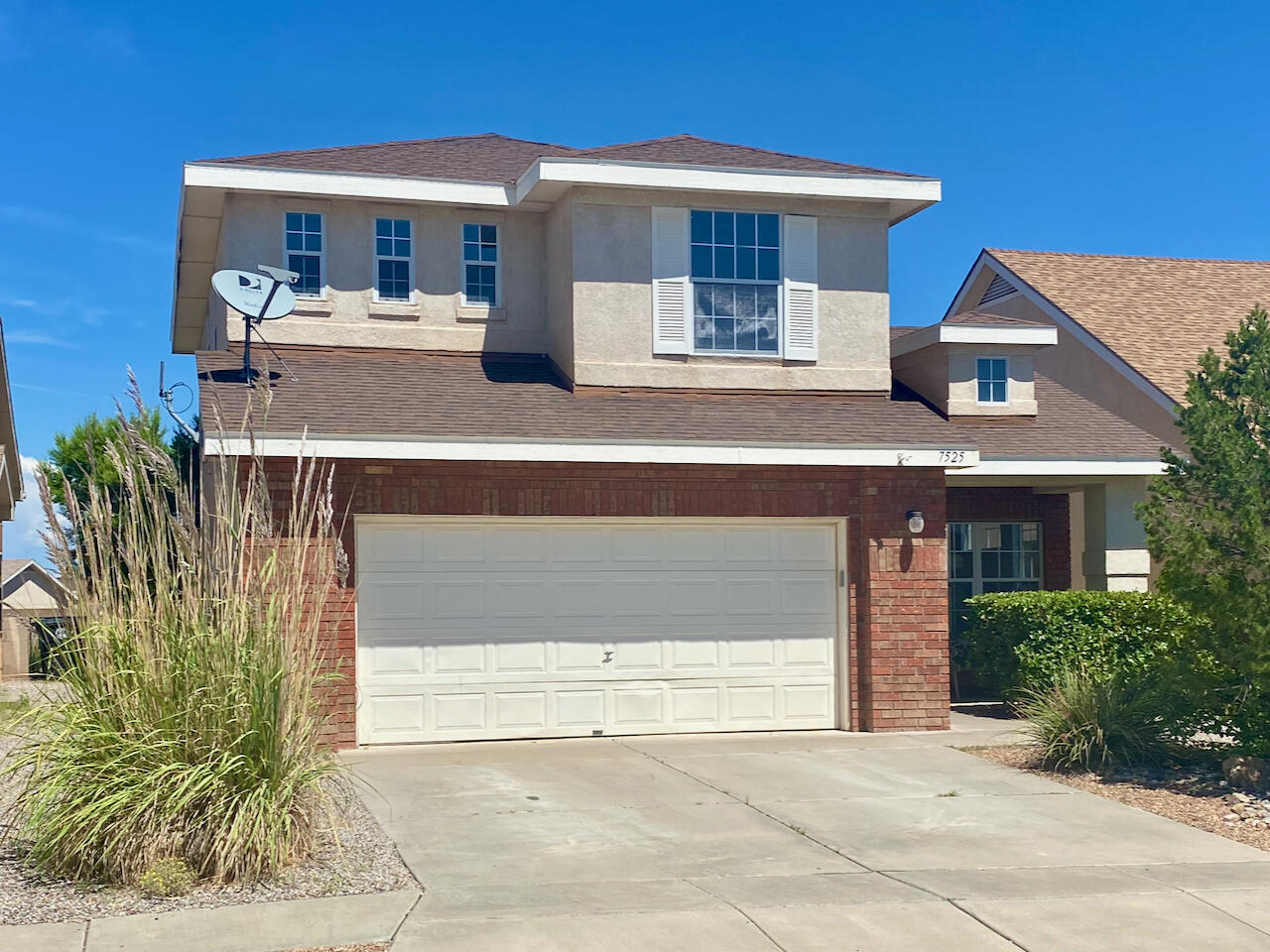 This beautiful Sivage home is move-in ready with tons of natural light, and updates throughout. Features an open floorplan with traditional kitchen, breakfast nook, and family room with half bath downstairs, and three bedrooms with two full baths and loft space upstairs. Ceiling fans throughout along with a beautiful fireplace in the family room make this home inviting and comfortable for relaxing.  A part of the Ventana Ranch community, it's just minutes away from the private community center, pool, and many convenient parks. Updates throughout include new cold refrigerated air conditioner and energy efficient furnace, brand new water heater, new garage door motor, new carpet and luxury vinyl floors, and new paint. Includes washer/dryer! Schedule your showing today!
