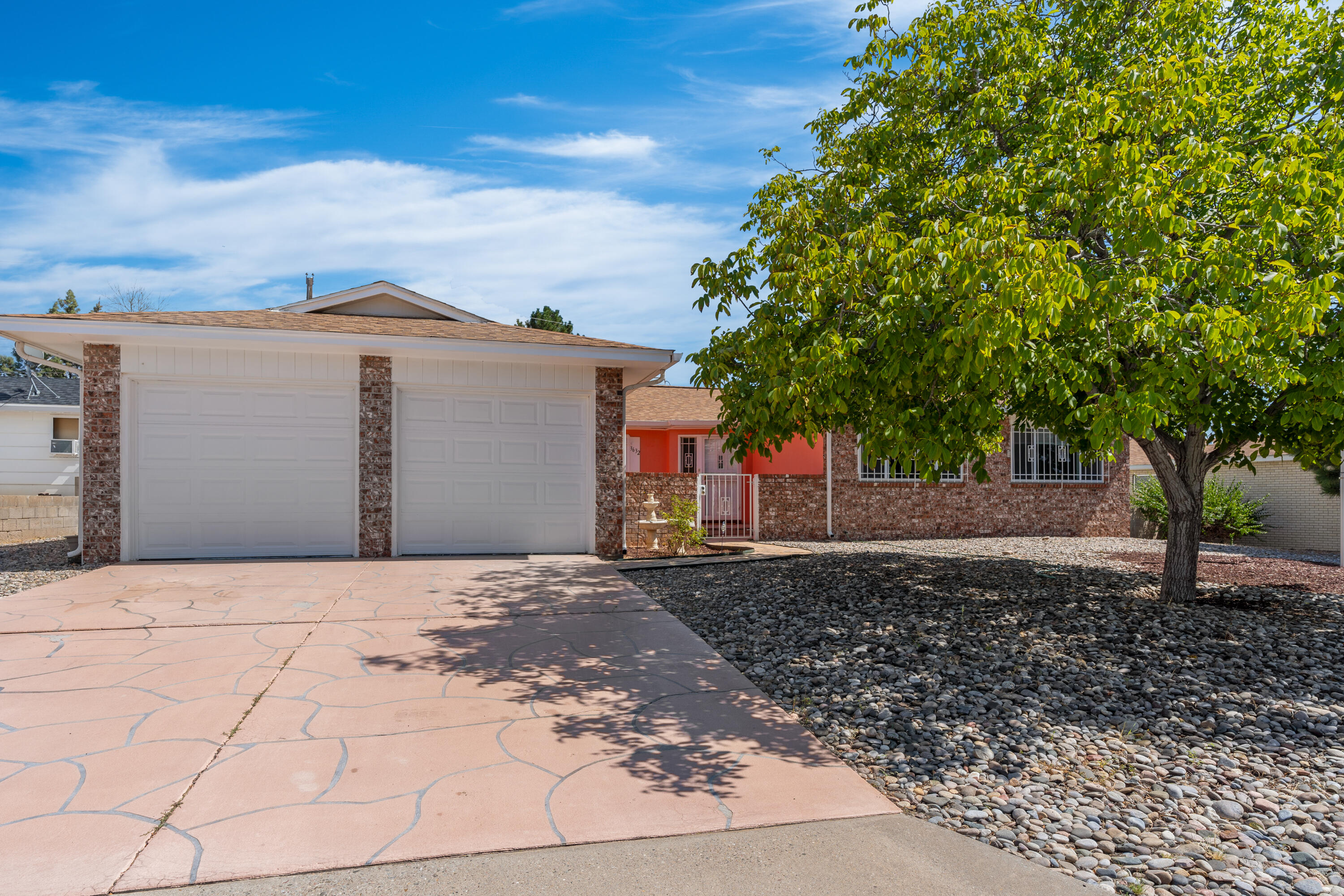 Great Location!!! Beautiful 3 bedroom 2 bathroom single story house located in the northeast Albuquerque area. Open kitchen over looking a spacious living room with access through French doors to a big spacious sun room. Check it out before its gone, and set up a showing today!