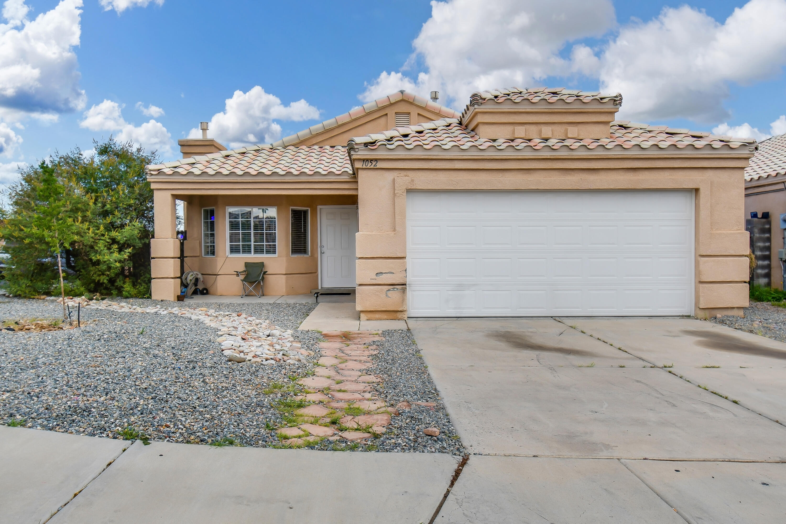 Very Nice Home! Ready for New Owners!  Great Floorplan! Large Kitchen with Island Plus newer stainless steel appliances!   Granite Countertops! New fixtures! 2 living areas Plus a gas fireplace! Large Master Bedroom and Bath!  Corner lot! Beautiful backyard! Must See!