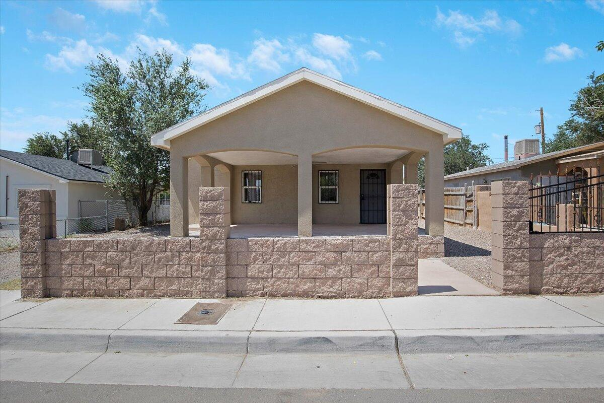 Two bed/two bath home. MOVE IN READY.  All appliance are included in this appealing home. Back yard access. Don't miss your chance to own this nice home.