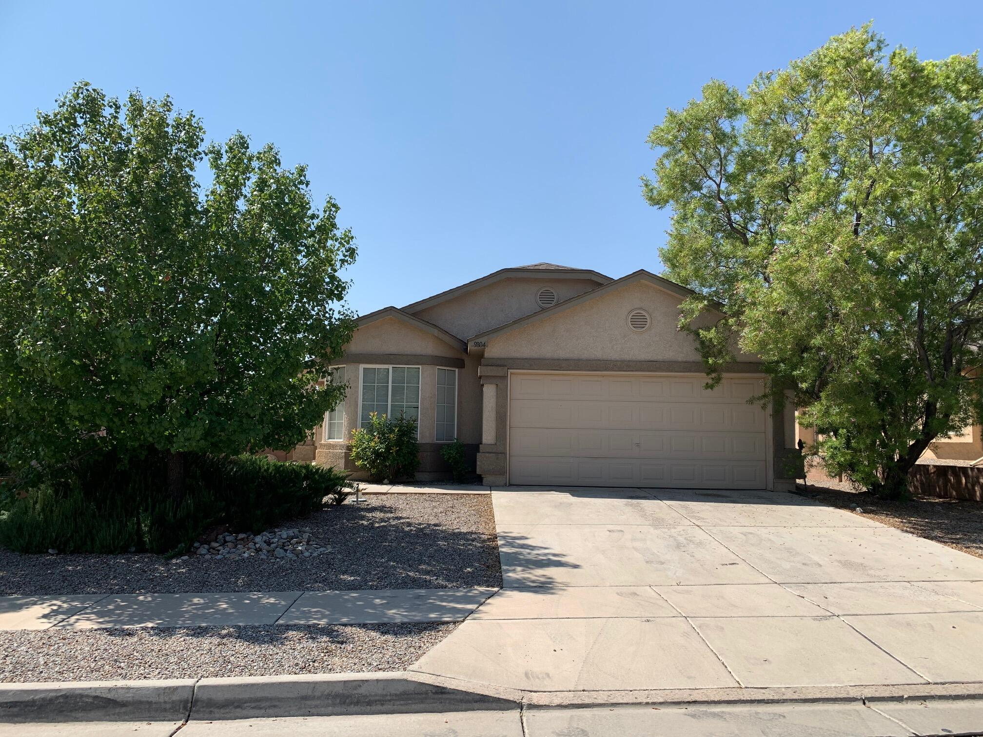 Popular DR Horton floorplan with master separation.  3/br plus office (or the 4th bedroom option from builder), 2 full baths.  Refrigerated air.  Gated community, landscaped F&B.