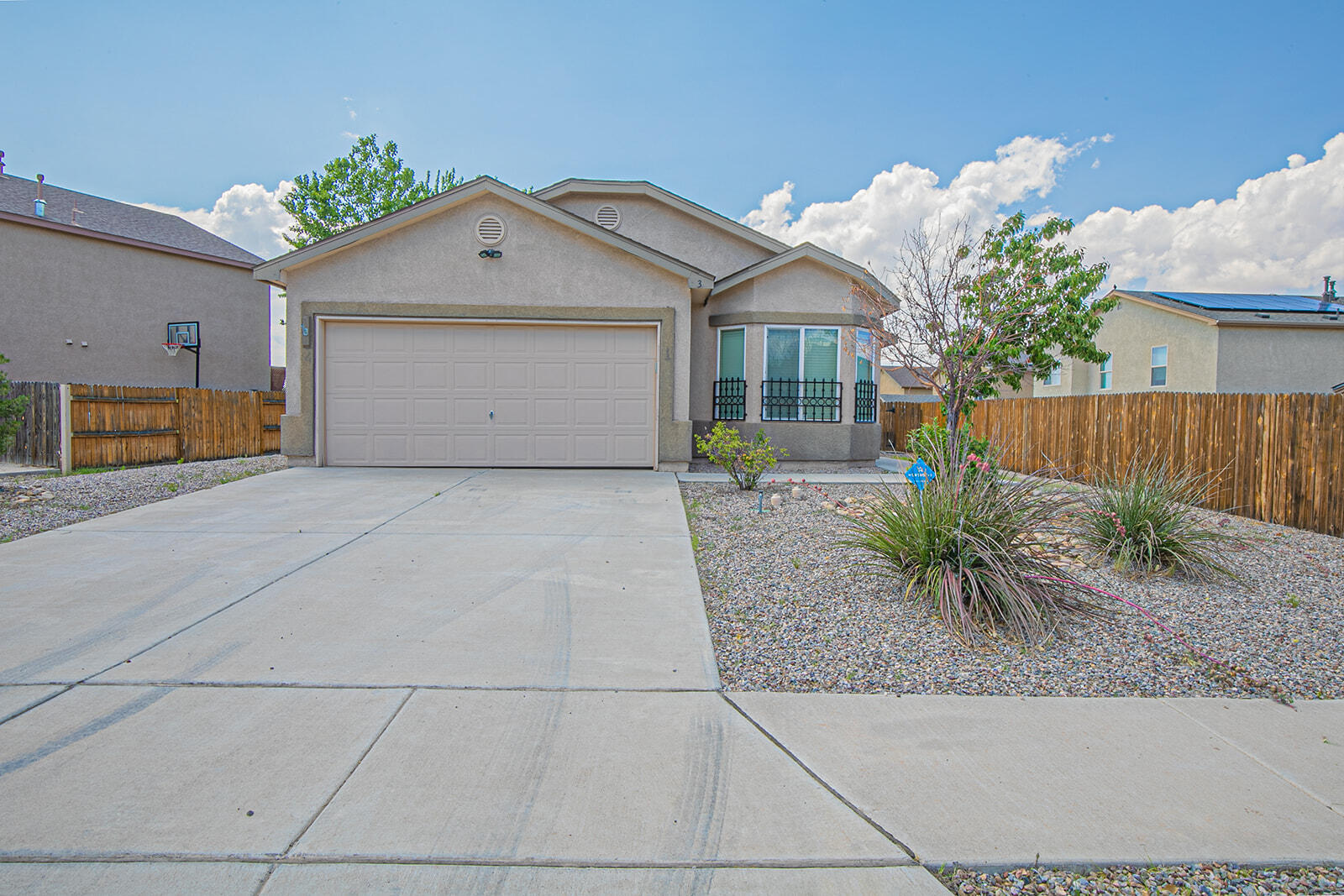 Ready for a new owner!! Open/split floor plan with Master bedroom separate.  Beautiful views of Manzano Mountains and Tome Hill.  Lots of Natural Light, refrigerated air, window blinds, clean and ready to move in.  Fully landscaped, fenced in back yard, come and see this great home today.