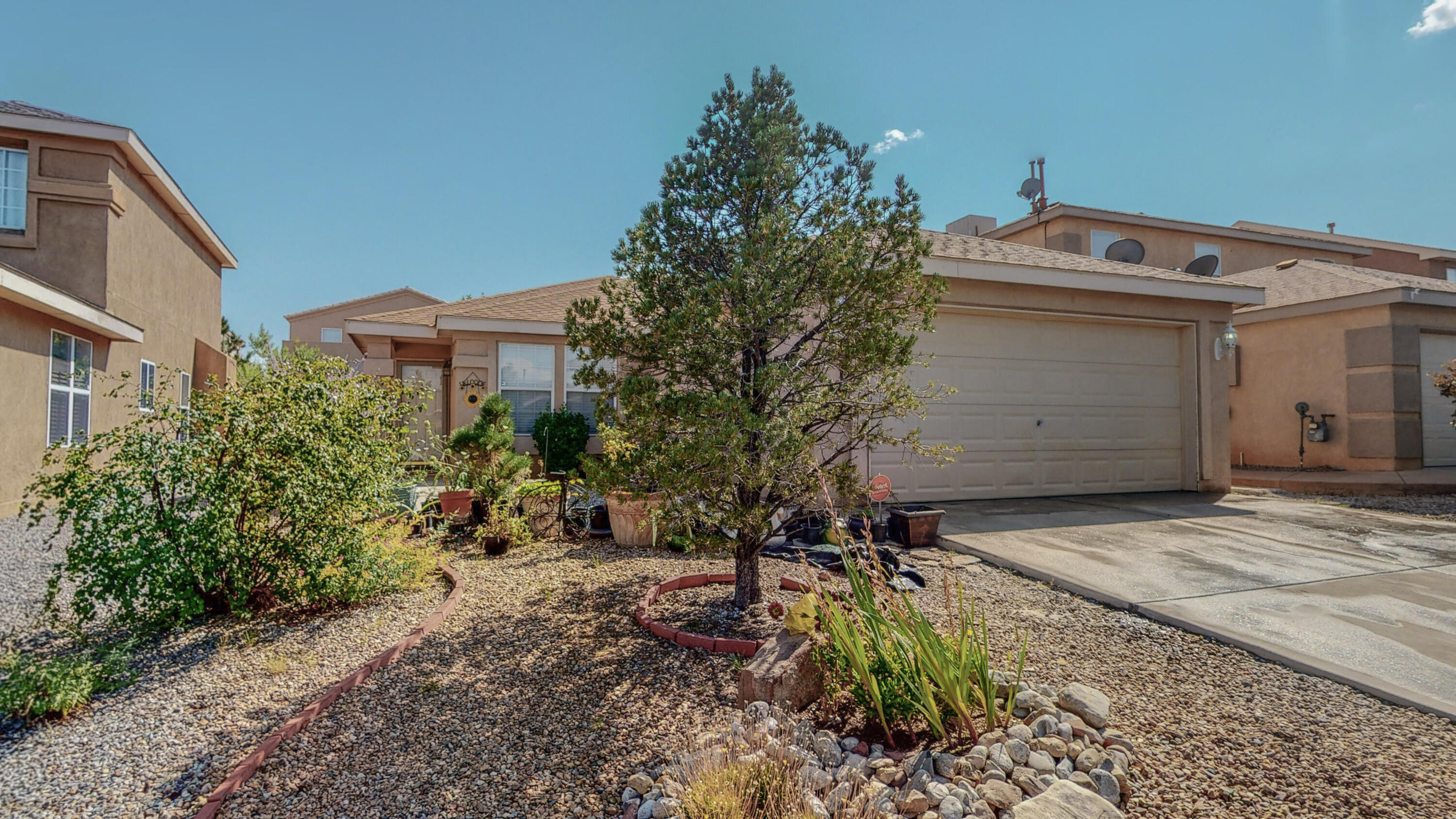 Price improvement!! Come see this lovely four bedroom home in Ventana Ranch.  One story with a greatroom leading into a large kitchen.  You will love all the tile work and the wall of cabinets in the remodeled kitchen. You won't believe the size of the masterbedroom!  Both bathrooms has been remodeled too! No carpet here!  Cute backyard and patio. HOA for common area.