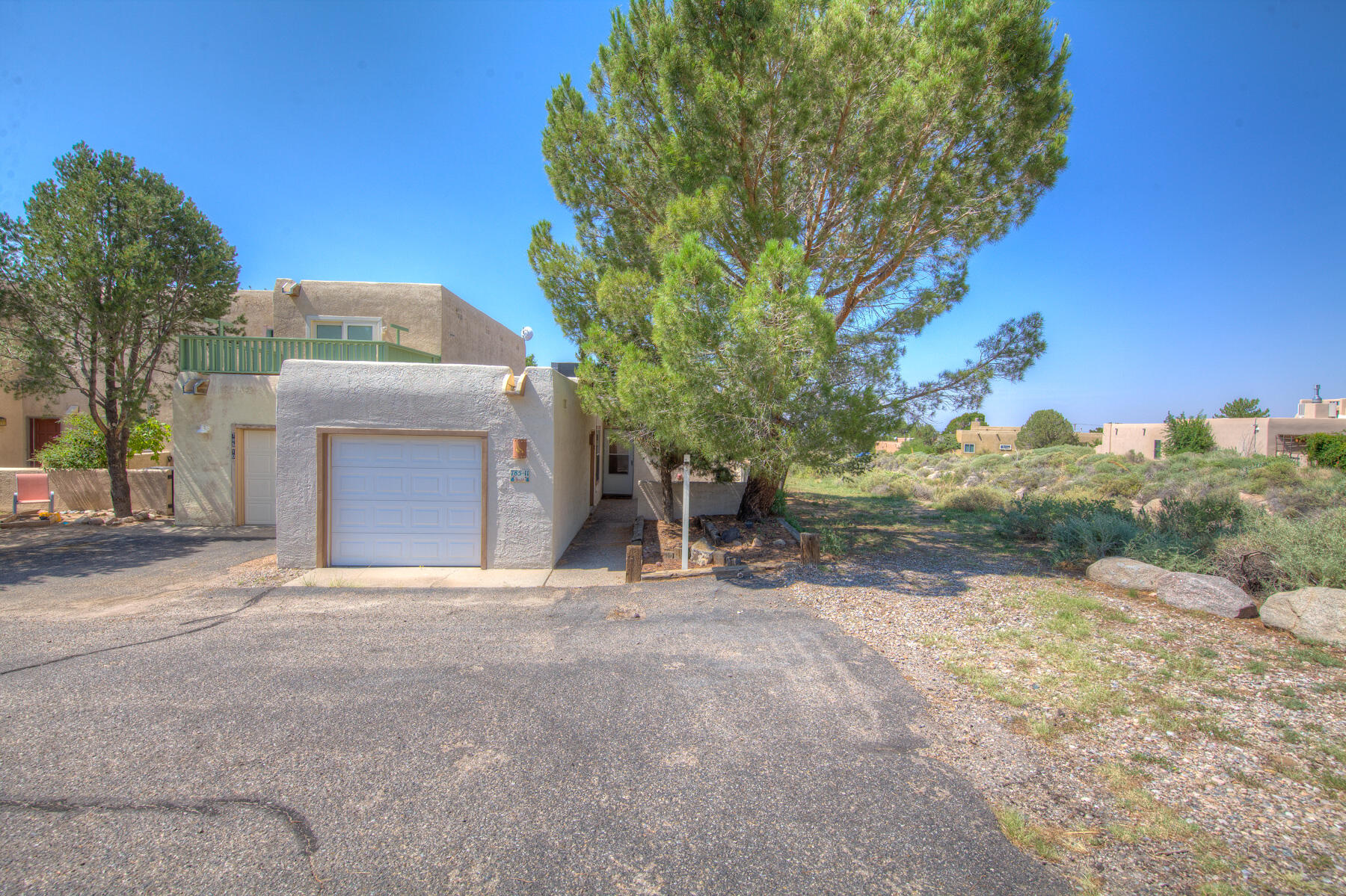 Great location enjoy this 2 bedroom 1.75 bath Townhome. Enjoy the views and all the Heights trails. Seller will consider a paint flooring allowance with acceptable offer.
