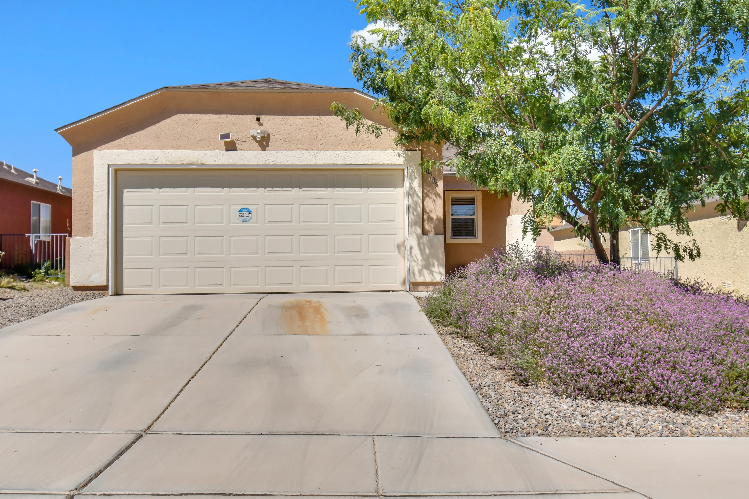 Welcome home to this well-maintained single-story home with an open floor plan with a large living area that opens to the kitchen, a spacious owner's suite and bath, and nice-sized secondary rooms. The backyard is nicely landscaped and is perfect for entertaining.