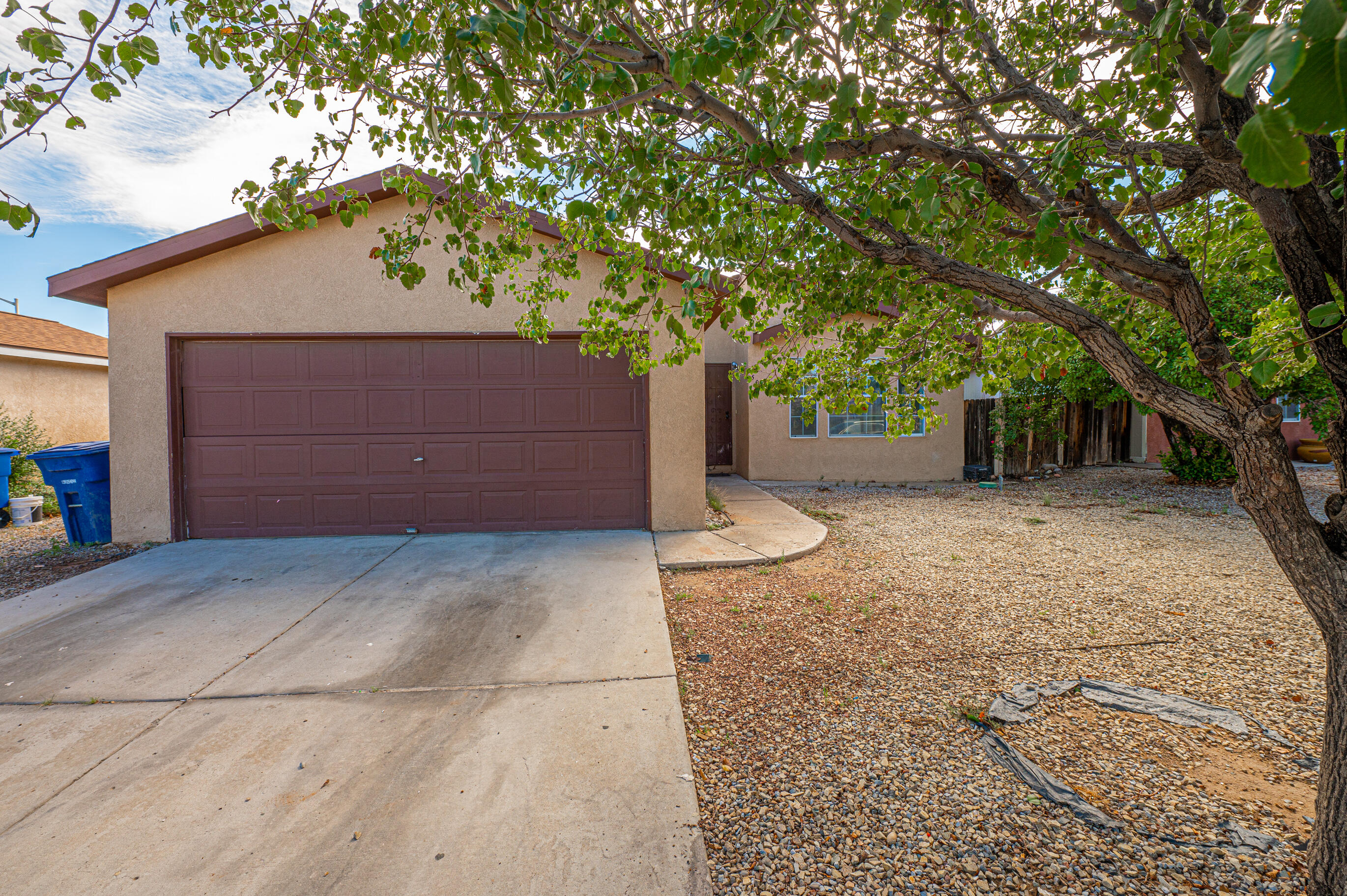 Hidden gem! This home offers laminate wood floors , remodeled kitchen and master bathand a fully fenced backyard.