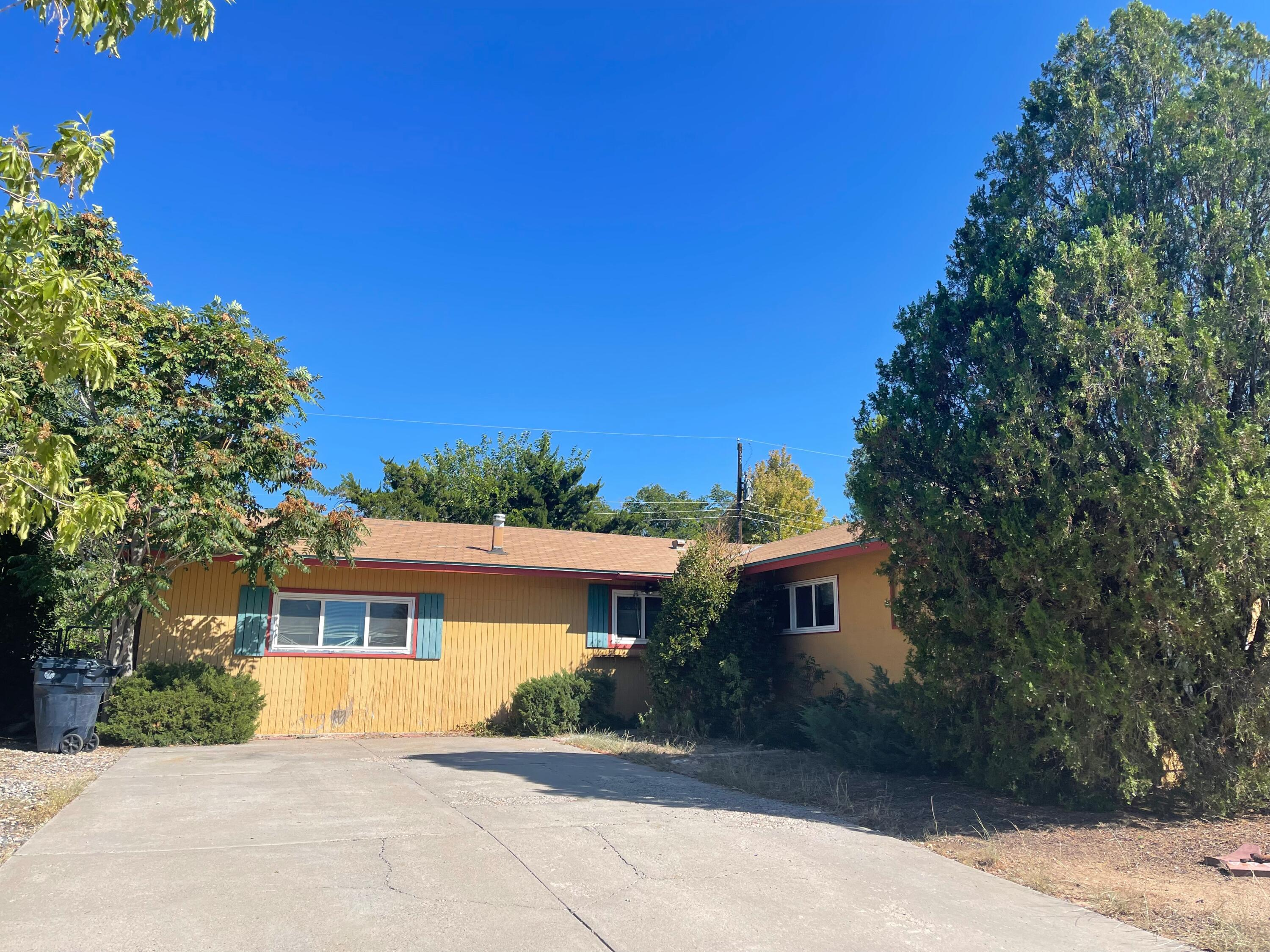 A flipper's dream.  SOLD ''AS IS'' 4 bedroom with hard wood floors. Nice size backyard. Seller hasn't loved in the home for over 25 years.