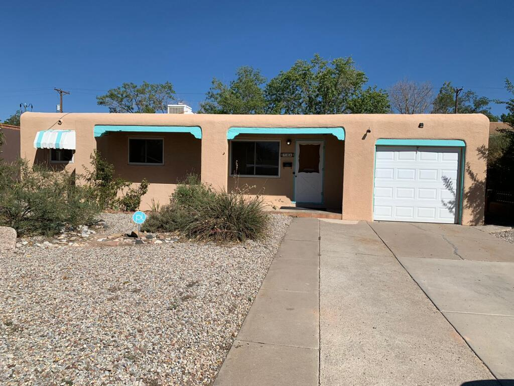Pueblo Style 4 bedroom SE Heights home located near Sandia Labs, Kirtland Airforce Base, VA Hospital and Airport. This Home offers a Grand Master bedroom or a large 2nd Living area; whatever your preference. Home also offers a heated bonus room for hobbies that is connected to the home. Large backyard with a Shed that has electrical and backyard access with a sliding gate. Come see before its gone.