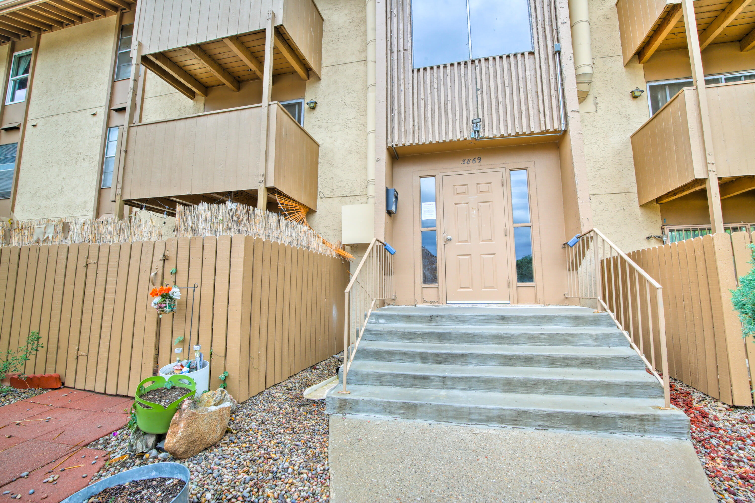 Great price for a 2BR 1BA larger condo in the heart of ABQ.  Refrigerated air, storage, balcony, fireplace in Hillcrest Park that features swimming pool, playground, laundry facilities on site and additional parking for visitors near this Condo.