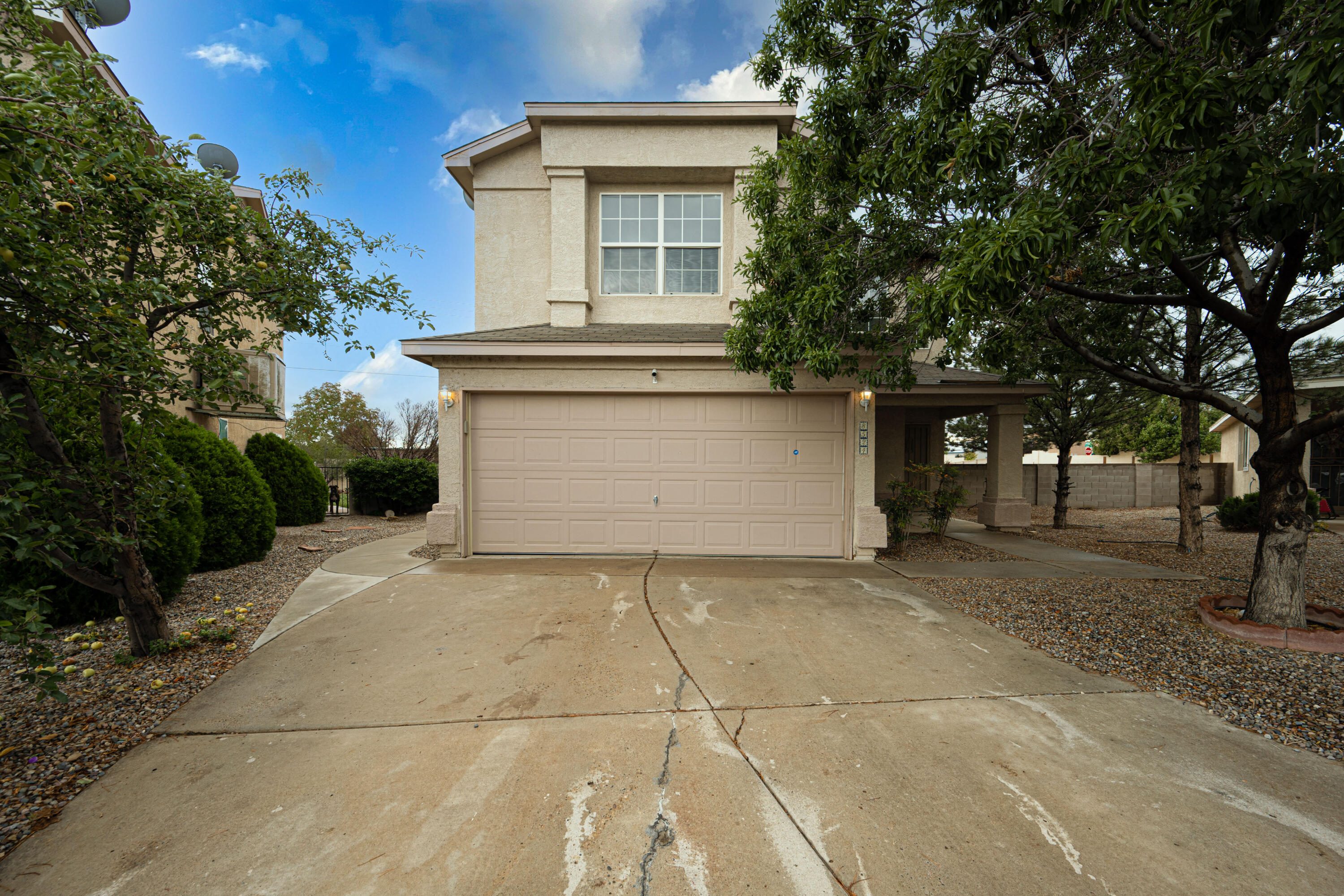Great opportunity to make this home yours! This property has so much to offer, located in a gated community on one of the largest lots in the neighborhood! Inside you will find 2 living areas, granite counter tops, 3 bedrooms and a balcony off the master! Refrigerated air and parks close by. Call to schedule your showing today!