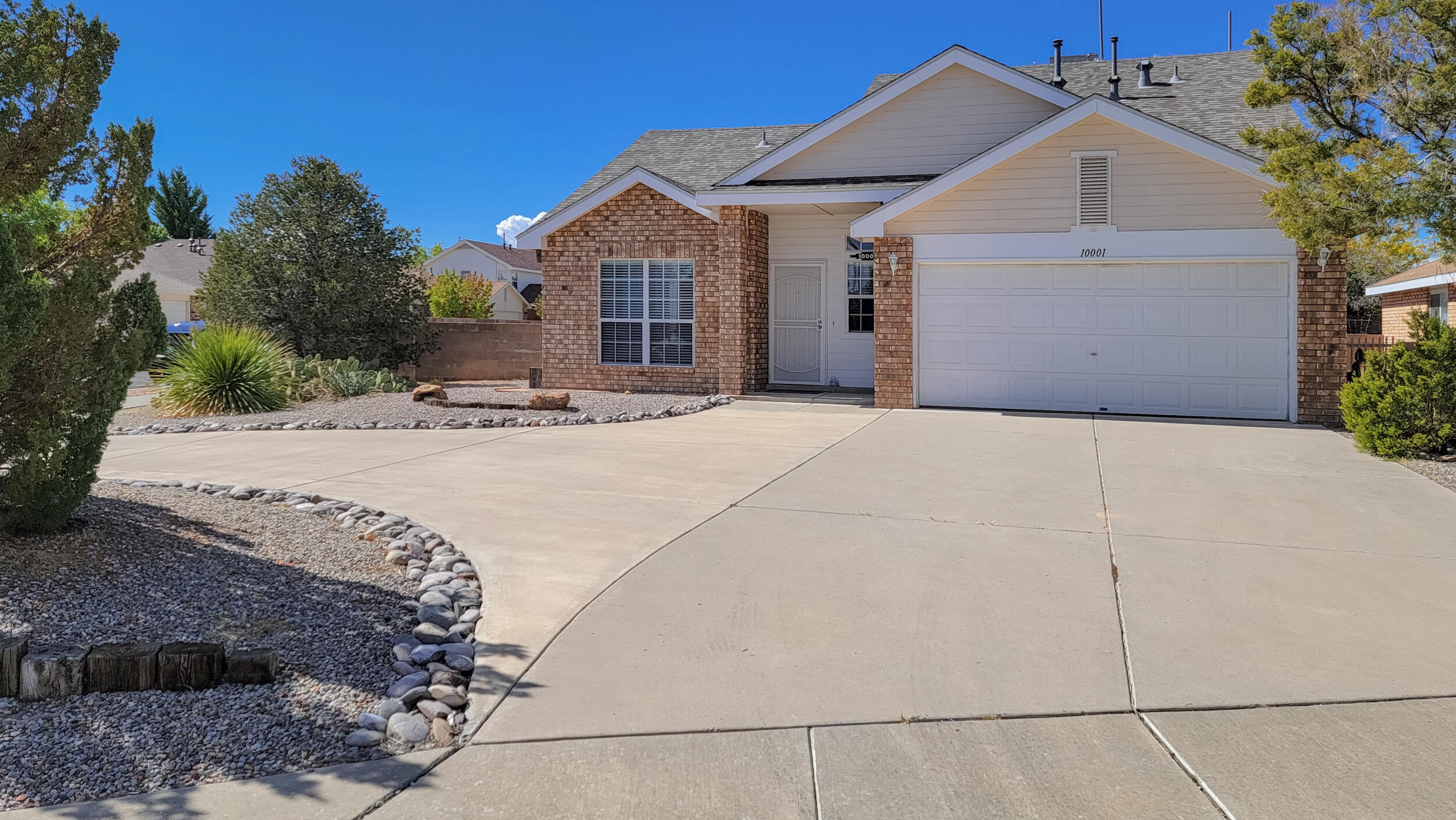 Fresh paint throughout, new water heater, new furnace, new swamp cooler and new roof. Large yard with backyard access. Least expensive home in Ventana Ranch! Get your offers in today, won't last long!