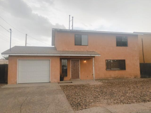 2 story home on quiet street. Open floor plan with lots of natural light and space! Extra large master bedroom can be made into 2 bedrooms. Enhanced security on all windows.