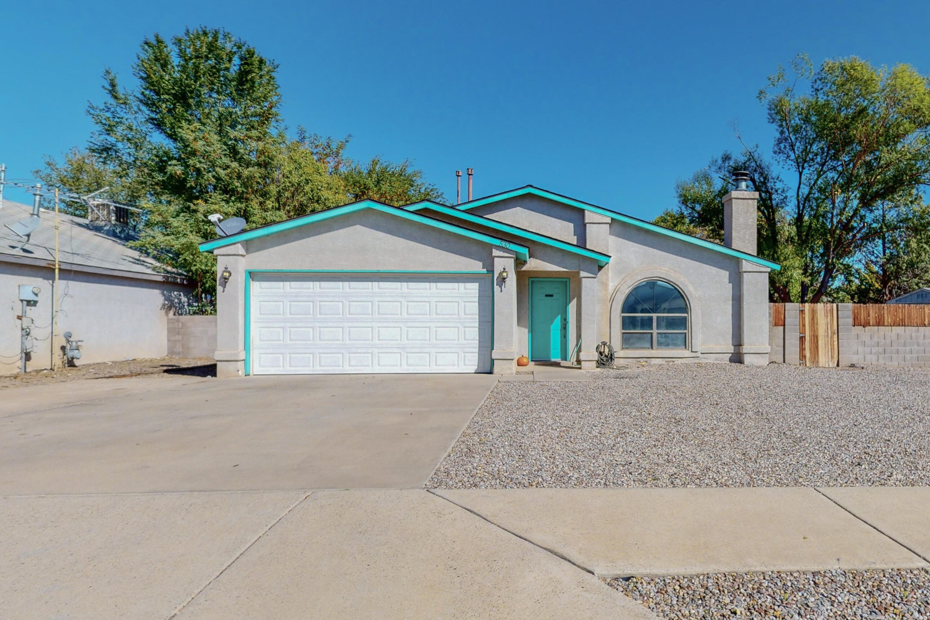 Perfect Starter Home! Cute 3/2 with fireplace, fenced yard and laminate flooring. Refrigerated Air, Cathedral ceiling, skylights and a covered back patio. This one won't last long!
