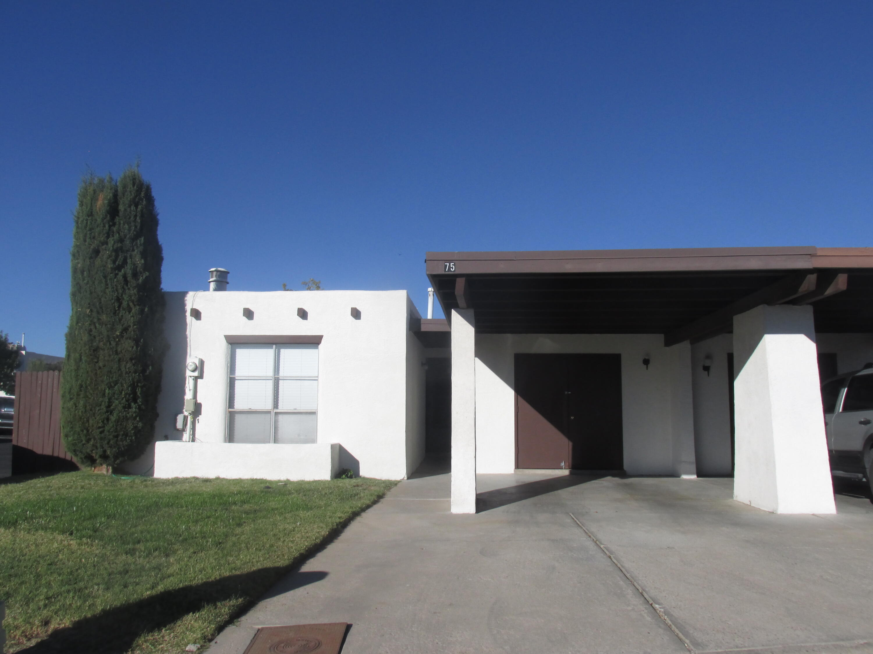 All dressed up and ready for a new owner!  Current owner installed a complete new kitchen including cabinetry, flooring and stainless appliances.  The bathroom has also been completely redone and shows great!This unit has an excellent location as there is additional parking across the street AND the swimming pool is across the street to the East.  The HOA is active and keeps the central park in great condition.  Take a look!  Great location, close to a multitude of small businesses, restaurants, banks, etc as well as bus stop.  Don't miss it!