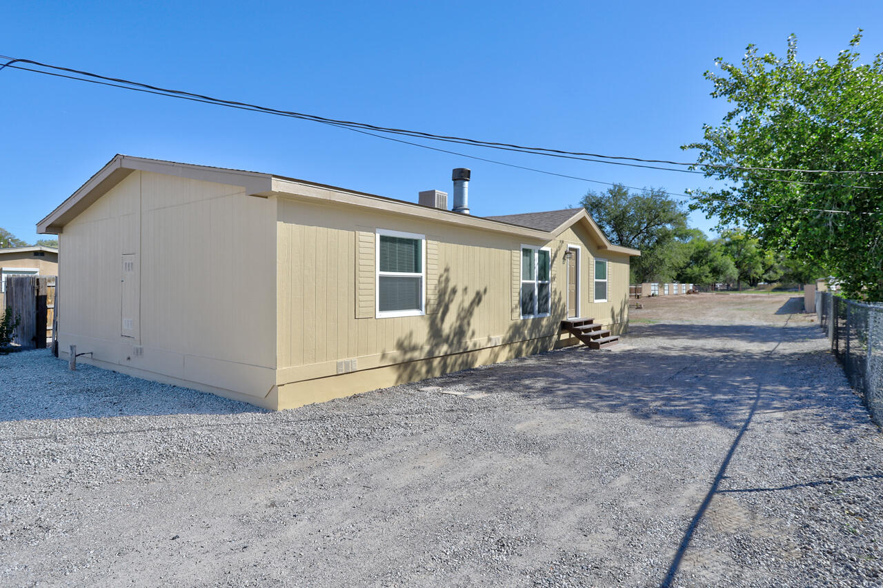 1930  Foothill Road SW