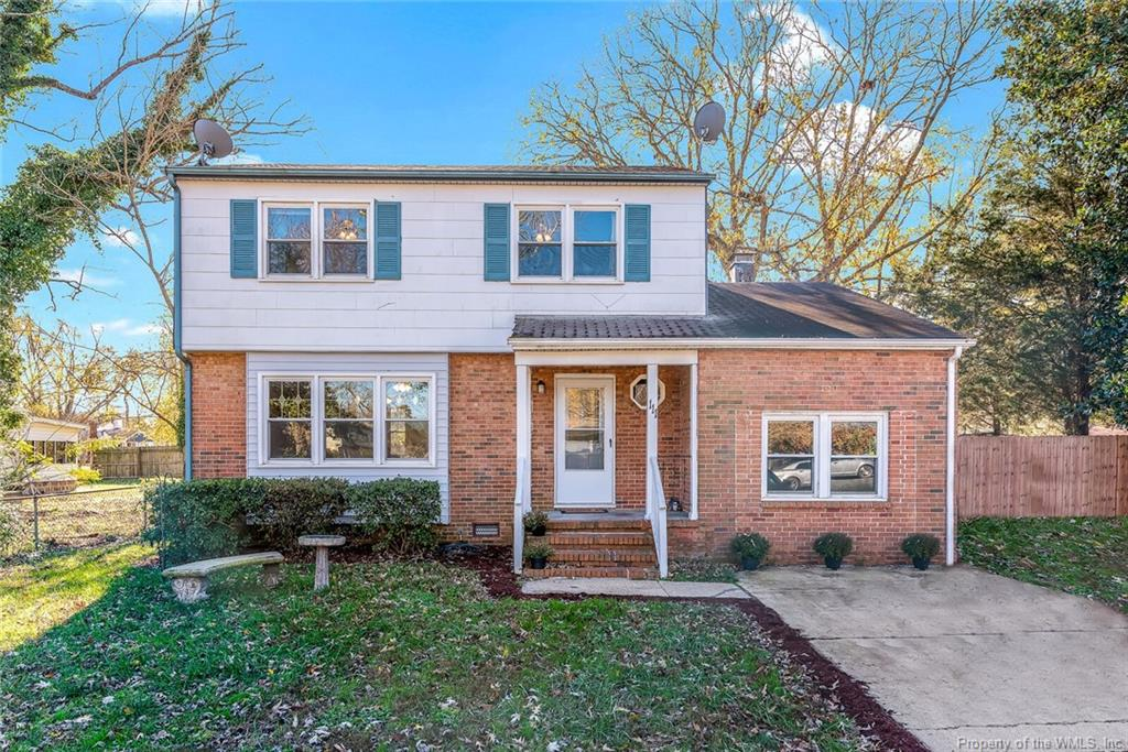 You will fall in love as soon as you walk into this great home. Hardwood floor under the carpet, large living room and dining room, ceramic tile in eat in kitchen, 4 large bedrooms. Big fenced back yard. Converted garage would make a great work out room or office. Great location with easy access to interstate.