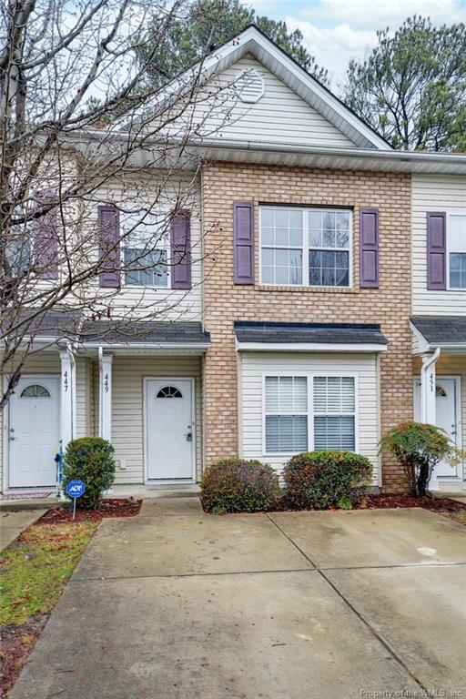 Charming and delightful open floor townhome in Colonial Crossing! This attractively planned townhome features 3 bedrooms, 2.5 baths and 1,518 sq ft! Sun bathed living room with fireplace, 9ft ceiling, opens to dining room and patio access. Modern designed kitchen with laminate counters, pantry, breakfast nook and loads of storage. Second floor features utility closet, 2 bedrooms, full bath and Spacious primary bedroom with walk in closet, tray ceiling and ceiling fan. Primary bath has sunken tub, dual vanities and an abundance of natural light!